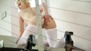 Livia Godiva - Edge Of Pleasure